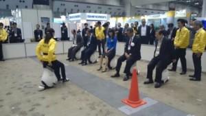 山崎直子さんとJVIA会長・副会長のUNI-CUB試乗会